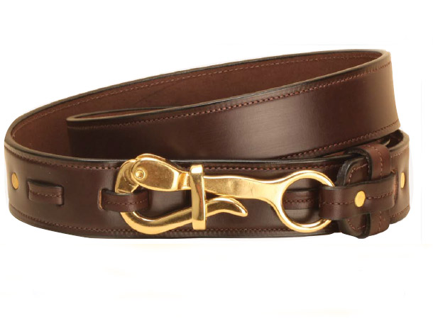 Leather belt with a nautical pelican closure.